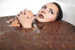 όμορφο jacuzzi κοριτσιών μόδας καφέ Στοκ εικόνες με δικαίωμα ελεύθερης χρήσης