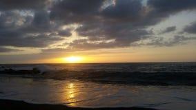Όμορφο SU serà ¡ στη μαύρη παραλία 5 άμμου Στοκ Εικόνα