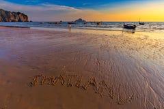 Όμορφο sunet στην παραλία AO Nang, Krabi, Ταϊλάνδη Στοκ Εικόνα