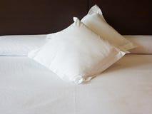 Όνειρα που κεντιούνται γλυκά στα μαξιλάρια Στοκ Φωτογραφίες