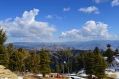 όντας ερχόμενο τοπίο βουνών βουνών κτηρίων στοκ εικόνες με δικαίωμα ελεύθερης χρήσης