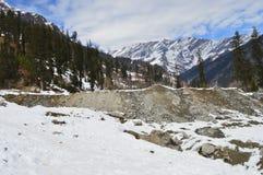 όντας ερχόμενο τοπίο βουνών βουνών κτηρίων στοκ εικόνα με δικαίωμα ελεύθερης χρήσης