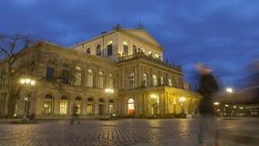 Όπερα του Αννόβερου στο χειμερινό βράδυ Ένα θέατρο ενσωμάτωσε το κλασσικό ύφος μεταξύ 1845 και 1852 Χρονικό σφάλμα φιλμ μικρού μήκους