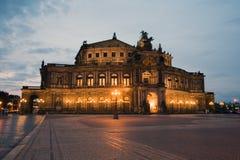 Όπερα Semper από το εξωτερικό En Στοκ εικόνα με δικαίωμα ελεύθερης χρήσης