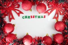 όπως η ανασκόπηση είναι μπορεί θέμα απεικόνισης Χριστουγέννων χρησιμοποιούμενο Κόκκινες λαμπρές σφαίρες Χριστουγέννων Στοκ φωτογραφία με δικαίωμα ελεύθερης χρήσης