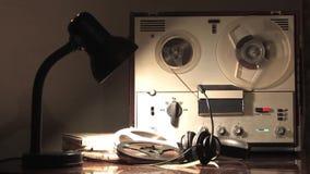 Όργανο καταγραφής ταινιών εξελίκτρων, περιστρεφόμενο εξέλικτρο, υποκλοπή τηλεφωνικών συνδιαλέξεων από τις αντιπροσωπείες 3 νοημοσ απόθεμα βίντεο