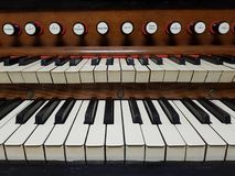 Όργανο σωλήνων, κινηματογράφηση σε πρώτο πλάνο πληκτρολογίων harmonium Στοκ Εικόνες