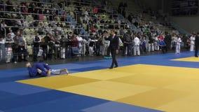 Όρενμπουργκ, Ρωσία †«στις 5 Φεβρουαρίου 2016: τα αγόρια ανταγωνίζονται στο τζούντο απόθεμα βίντεο