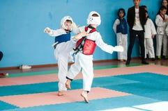 Όρενμπουργκ, Ρωσία - 23 04 2016: Ανταγωνισμοί Taekwondo μεταξύ των αγοριών Στοκ φωτογραφία με δικαίωμα ελεύθερης χρήσης