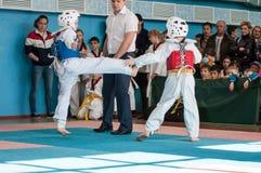 Όρενμπουργκ, Ρωσία - 23 04 2016: Ανταγωνισμοί Taekwondo μεταξύ των αγοριών Στοκ φωτογραφίες με δικαίωμα ελεύθερης χρήσης