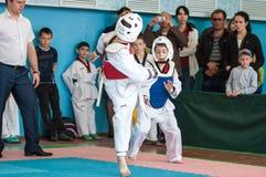 Όρενμπουργκ, Ρωσία - 23 04 2016: Ανταγωνισμοί Taekwondo μεταξύ των αγοριών Στοκ Εικόνες