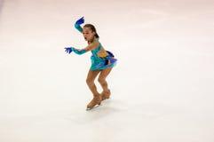 Όρενμπουργκ Ρωσία - 26 Μαρτίου 2016: Τα κορίτσια ανταγωνισμών λογαριάζουν το σκέιτερ Στοκ Φωτογραφίες