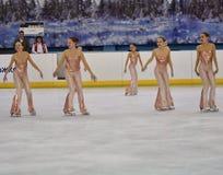 Όρενμπουργκ, Ρωσία - 20 Φεβρουαρίου 2017 έτος: Τα κορίτσια ανταγωνίζονται στο πατινάζ αριθμού Στοκ εικόνα με δικαίωμα ελεύθερης χρήσης