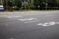 Όριο ταχύτητας που ταχυδρομείται στην οδό στοκ εικόνα με δικαίωμα ελεύθερης χρήσης