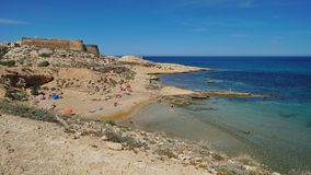 Όρμος με τη Μεσόγειο Αλμερία Ισπανία κάστρων στοκ φωτογραφία με δικαίωμα ελεύθερης χρήσης