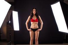 Όροι της εργασίας στο στούντιο, ένα επαγγελματικό πρότυπο στο κόκκινο στοκ φωτογραφία με δικαίωμα ελεύθερης χρήσης