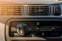 Όρος αέρα στο παλαιό αυτοκίνητο Στοκ Εικόνα