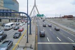 λόφος leonard Μασαχουσέτη π αποθηκών γεφυρών της Βοστώνης zakim Γέφυρα Hill αποθηκών Zakim στη Βοστώνη - τη ΒΟΣΤΩΝΗ, ΜΑΣΑΧΟΥΣΕΤΗ  Στοκ Εικόνες