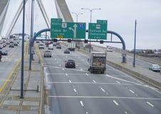 λόφος leonard Μασαχουσέτη π αποθηκών γεφυρών της Βοστώνης zakim Γέφυρα Hill αποθηκών Zakim στη Βοστώνη - τη ΒΟΣΤΩΝΗ, ΜΑΣΑΧΟΥΣΕΤΗ  Στοκ φωτογραφία με δικαίωμα ελεύθερης χρήσης
