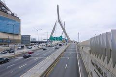 λόφος leonard Μασαχουσέτη π αποθηκών γεφυρών της Βοστώνης zakim Γέφυρα Hill αποθηκών Zakim στη Βοστώνη - τη ΒΟΣΤΩΝΗ/τη ΜΑΣΑΧΟΥΣΕΤ Στοκ Εικόνα