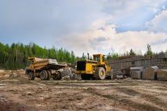όχημα ανασκαφής απορρίψεω& Στοκ εικόνα με δικαίωμα ελεύθερης χρήσης