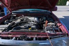 Όχημα φόρτισης φορτιστών μπαταριών αυτοκινήτων Στοκ Εικόνες