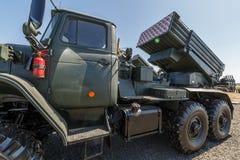 Όχημα 2B17 M1 αγώνα του συστήματος 9K51 ανεμοστρόβιλος-γ πυραύλων πολλαπλάσιος-έναρξης Πλάγια όψη στοκ εικόνα με δικαίωμα ελεύθερης χρήσης