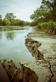 όχθη ποταμού απότομων βράχων στοκ φωτογραφία