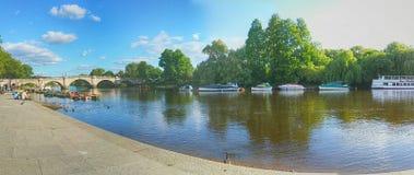 Όχθη ποταμού του Ρίτσμοντ, Λονδίνο Στοκ Εικόνες