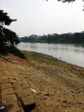 Όχθη ποταμού φραγμών σεναρίου surma ποταμών πρωινού στοκ φωτογραφία με δικαίωμα ελεύθερης χρήσης