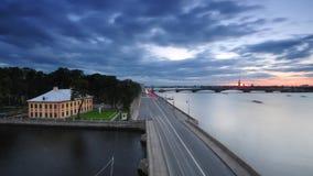 Όχθη ποταμού Neva στην Αγία Πετρούπολη φιλμ μικρού μήκους