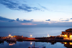 όψη ηλιοβασιλέματος βαρκών στοκ εικόνα με δικαίωμα ελεύθερης χρήσης