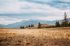 όψη κοιλάδων της Ουκρανίας βουνών της Κριμαίας Στοκ φωτογραφίες με δικαίωμα ελεύθερης χρήσης