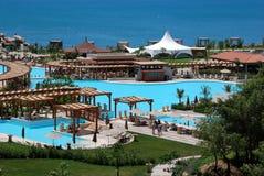 όψη λιμνών ξενοδοχείων Στοκ φωτογραφία με δικαίωμα ελεύθερης χρήσης