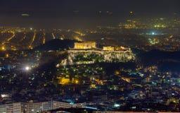Όψη νύχτας ακρόπολη από Lycabettus το λόφο, Αθήνα Στοκ Εικόνες