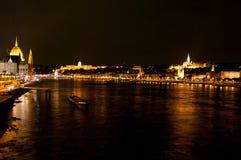 Όψη νύχτας του πανοράματος Βουδαπέστη, Ουγγαρία Στοκ Φωτογραφία