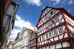Όψη σχετικά με τα παραδοσιακά γερμανικά σπίτια σε Marburg Στοκ φωτογραφίες με δικαίωμα ελεύθερης χρήσης