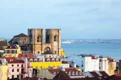 Όψη της Λισσαβώνας με τον καθεδρικό ναό Στοκ Εικόνα