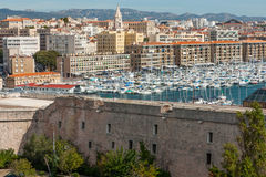Όψη της Μασσαλίας του παλαιού λιμένα στοκ εικόνες