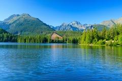 Όψη του Strbske Pleso και βουνά. Στοκ Εικόνα