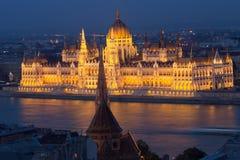 όψη των Κοινοβουλίων του Λονδίνου χορτοταπήτων οικοδόμησης Στοκ εικόνα με δικαίωμα ελεύθερης χρήσης