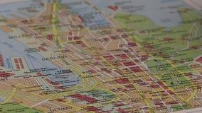όλη η πόλη αλλαγής ανασκόπησης χρωματίζει τα εύκολα στρώματα αρχείων στοιχείων χαρτογραφεί το άνευ ραφής επίλεκτο χωρισμένο swatc απόθεμα βίντεο