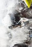 ύδωρ γυαλιού απελευθερώσεων Στοκ Εικόνες