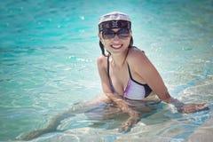 ύδωρ κοριτσιών στοκ εικόνα με δικαίωμα ελεύθερης χρήσης