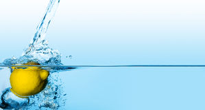 ύδωρ λεμονιών Στοκ εικόνες με δικαίωμα ελεύθερης χρήσης