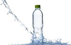 ύδωρ παφλασμών μπουκαλιών Στοκ εικόνες με δικαίωμα ελεύθερης χρήσης