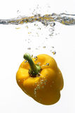 ύδωρ πιπεριών κίτρινο Στοκ εικόνες με δικαίωμα ελεύθερης χρήσης