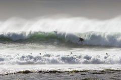 ύδωρ surfers Στοκ Φωτογραφίες