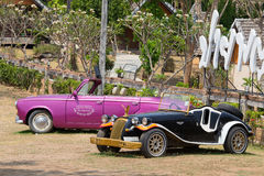 Δύο αναδρομικά αυτοκίνητα Pai, Ταϊλάνδη Στοκ φωτογραφίες με δικαίωμα ελεύθερης χρήσης