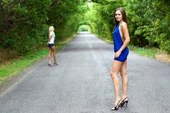 δύο νεολαίες γυναικών Στοκ Εικόνα